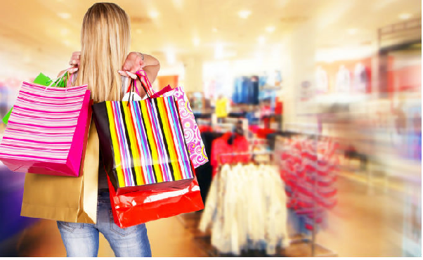 Giải mã chi tiết ý nghĩa giấc mơ đi mua sắm
