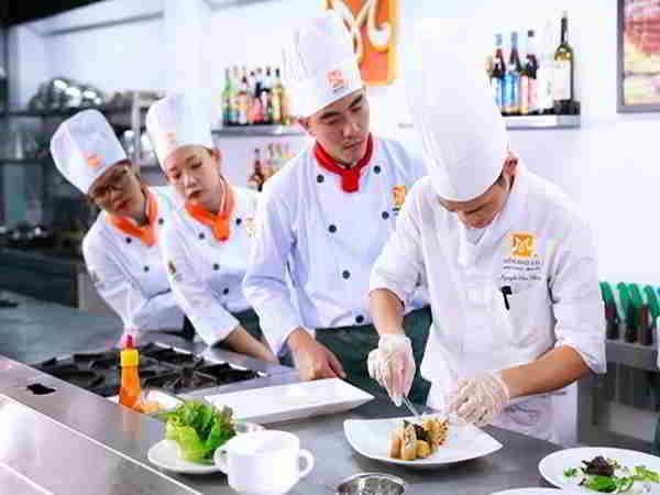 Điểm danh top cung hoàng đạo khéo tay nấu ăn ngon