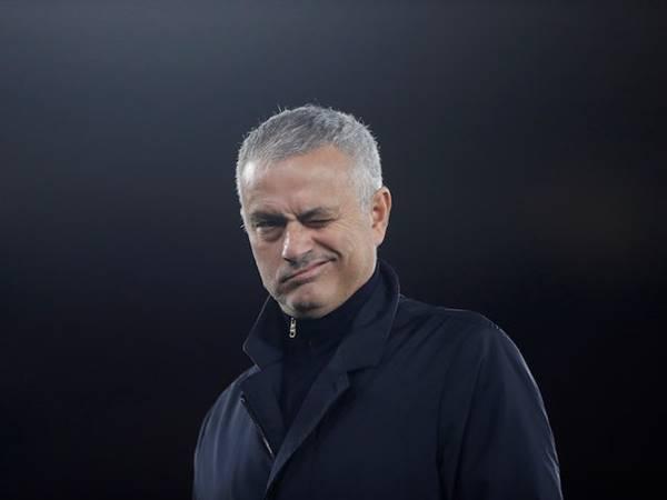 Chắp vá hàng thủ Mourinho chiêu mộ đá tảng Ngoại Hạng Anh