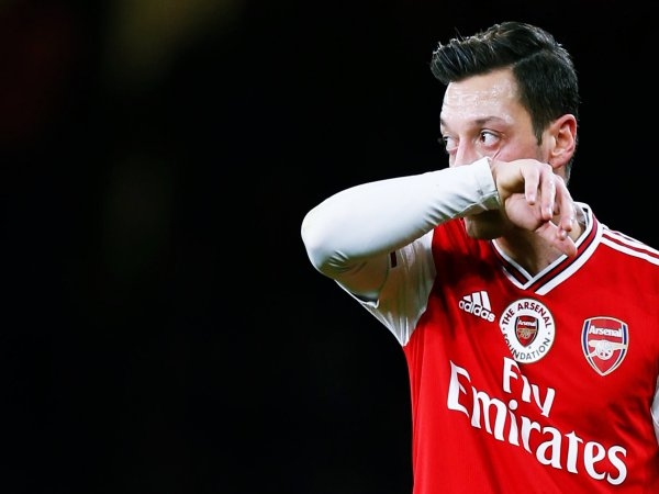 Chuyển nhượng chiều 14/8: Mesut Ozil không rời muốn Arsenal