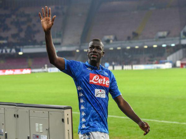 Napoli bật đèn xanh cho Koulibaly đến Man City