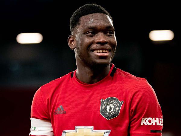 Chuyển nhượng MU 2/2: Sao trẻ MU gia nhập CLB của Rooney