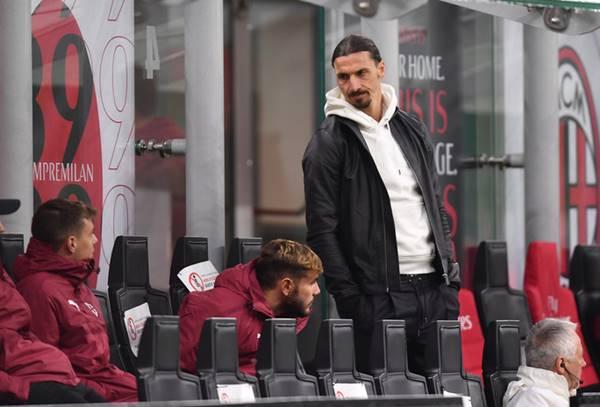 Ibrahimovic gia hạn hợp đồng với AC Milan